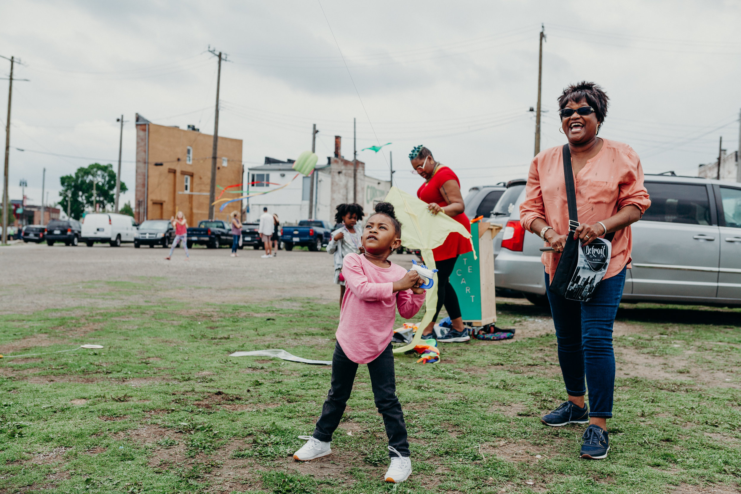 Kite Flying with Detroit Kite Festival / Spring Into Corktown 2018 / Photo by  Lydia Cournoyer Photography