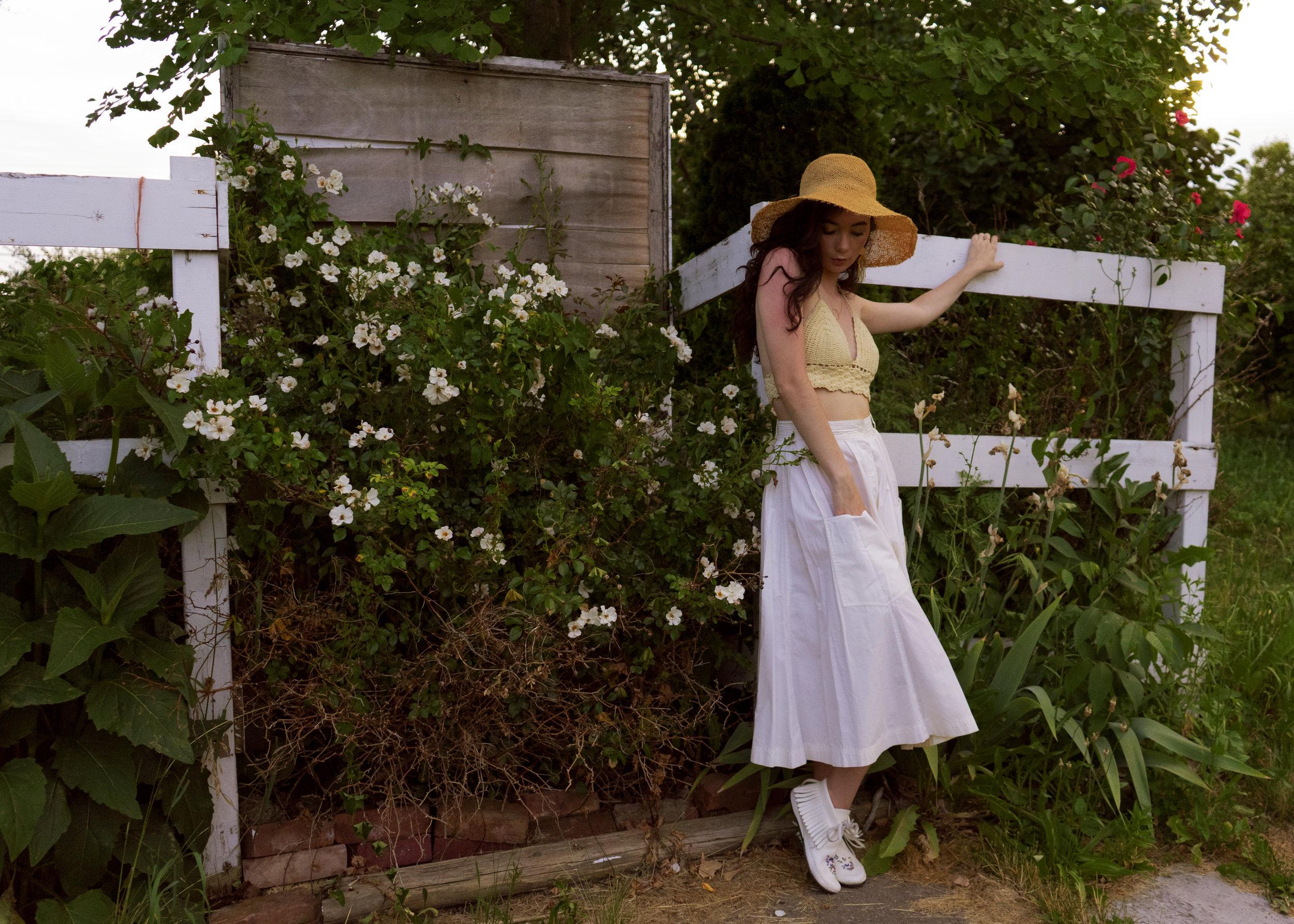 white fence1.jpg
