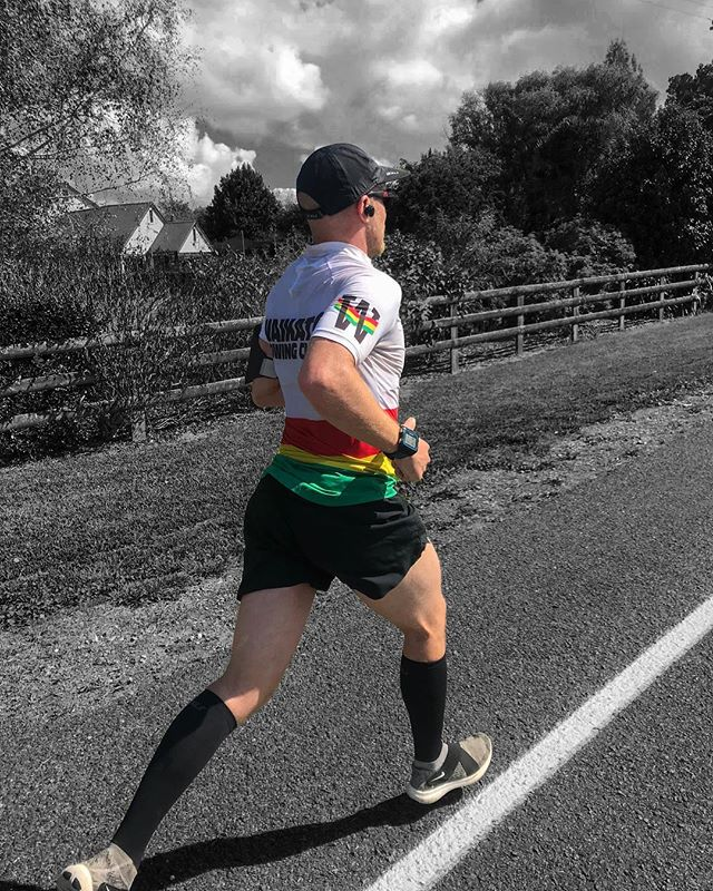 Been repping my rowing affiliations in all sorts of off water locations recently. Keep an eye out on the roads near you. 📸 @steph_upton  #HittingTheStreets #PunchingThePavement #RacingMyShadow #ExploringTheLand #Run #Medicine #StaySane #LookAfterThisTemple