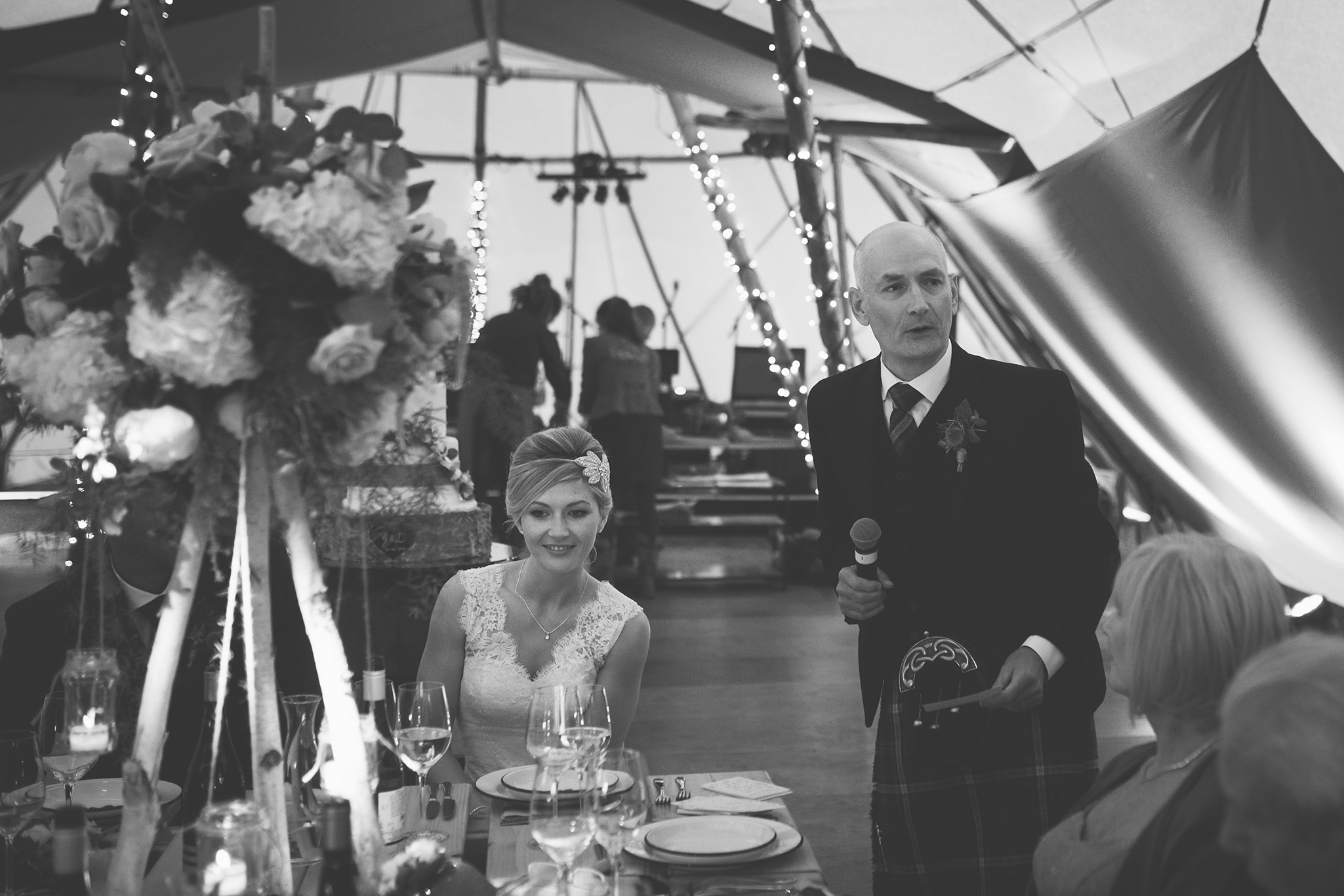 Tullibole Castle Wedding 37.jpg