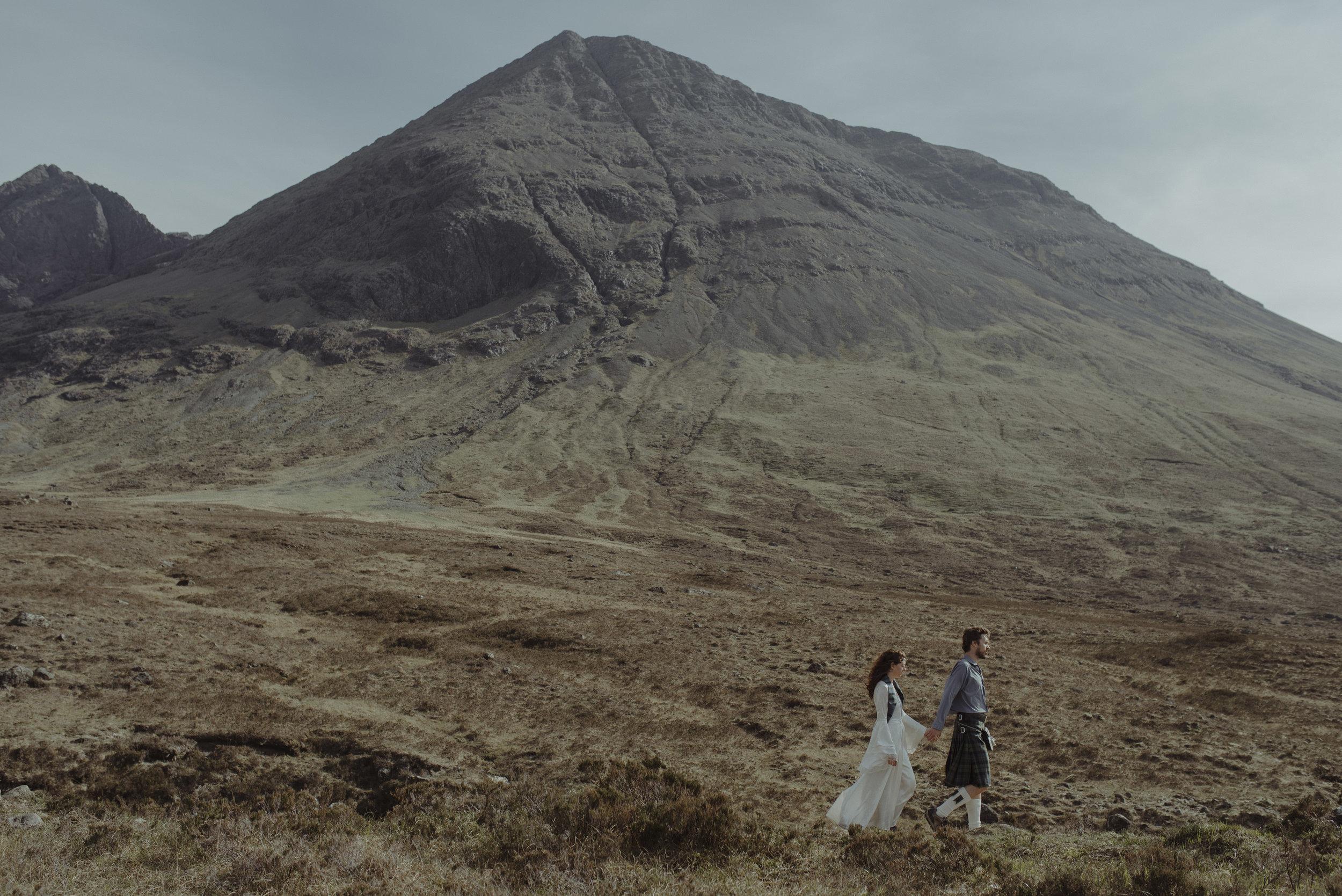 Isle of Skye Elopement57.jpg
