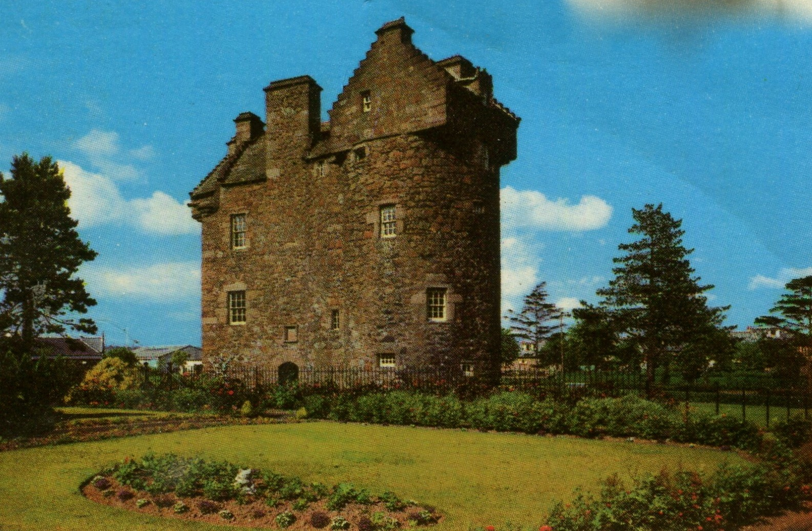 Claypotts Castle, Angus