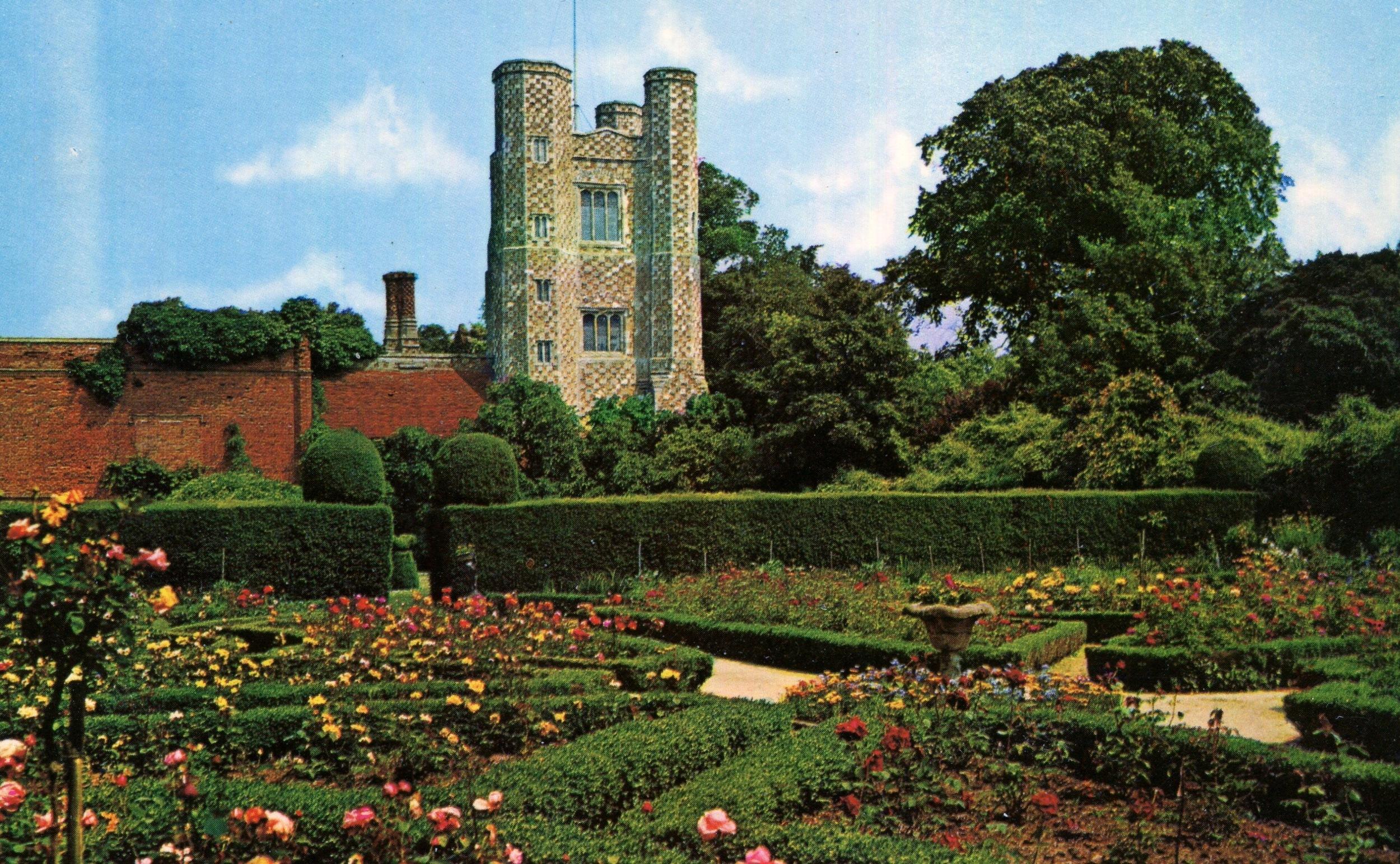 Priory Gardens, St Osyth
