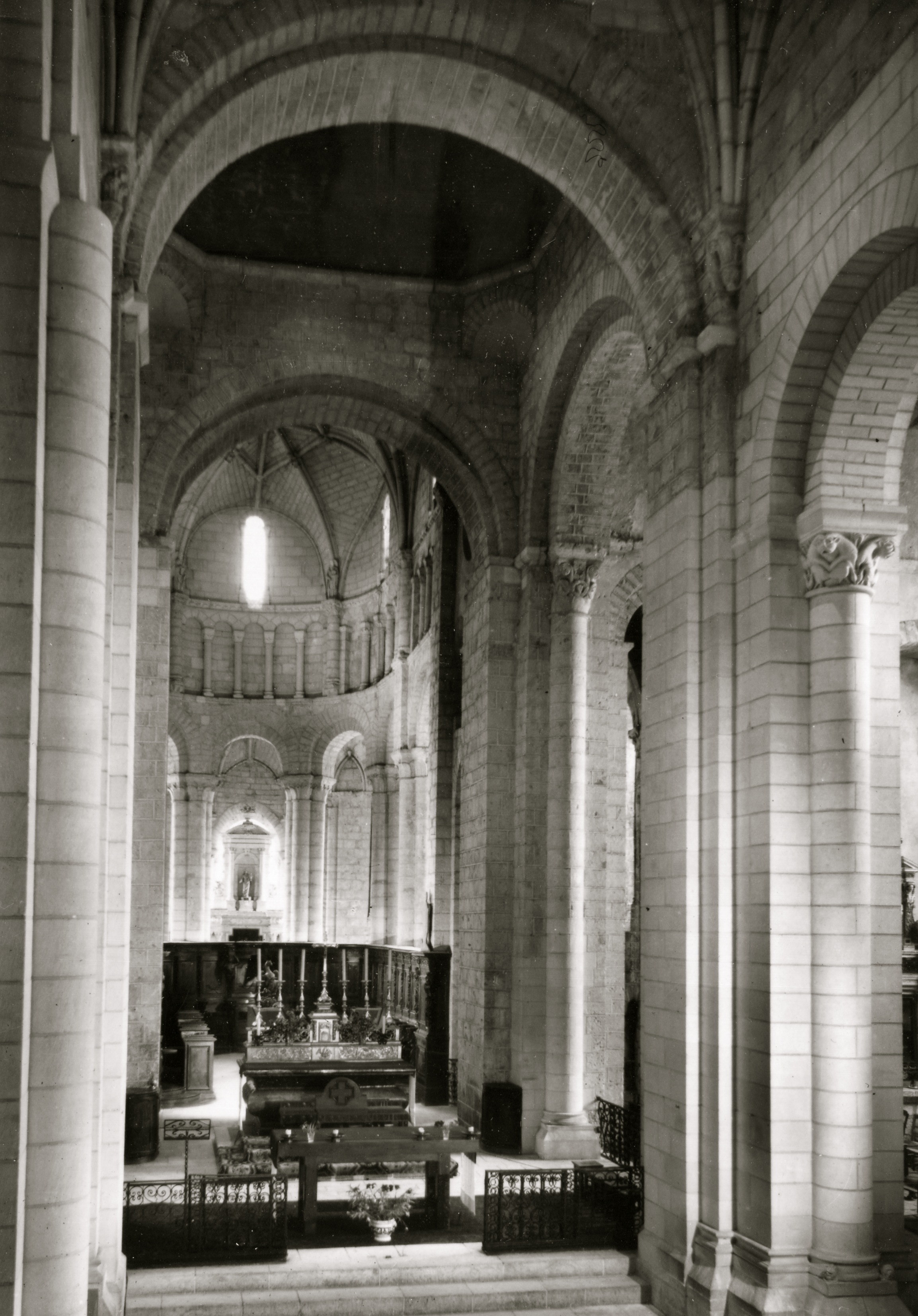 Abbatiale de Saint Jouin de Marnes