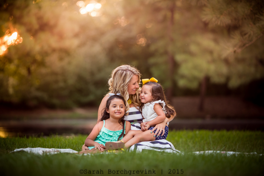 candid maternity and family photography session