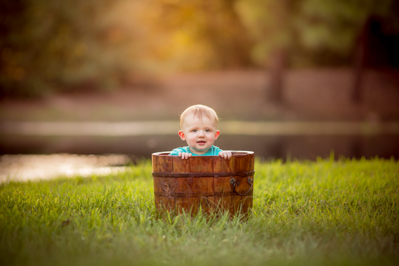 9 month old outdoor photography session