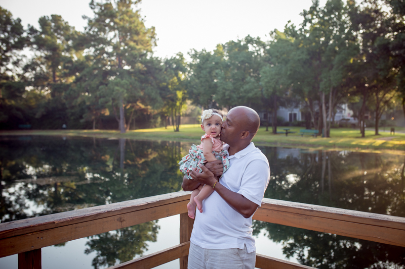 cypress_texas_baby_photographer_natural_light_outdoor_family_photography-8.jpg