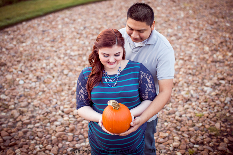 outdoor maternity session by sarah borchgrevink photography