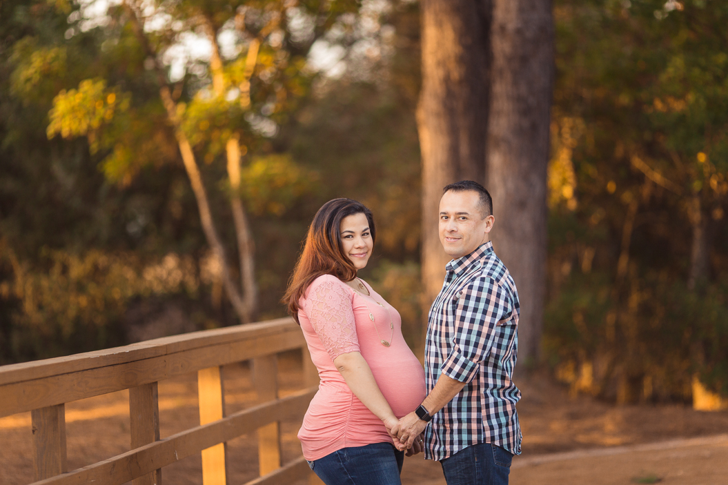 tomball texas maternity and newborn photographer