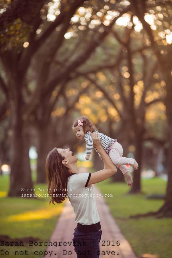 Houston Child Photographer   Outdoor Family Portraits