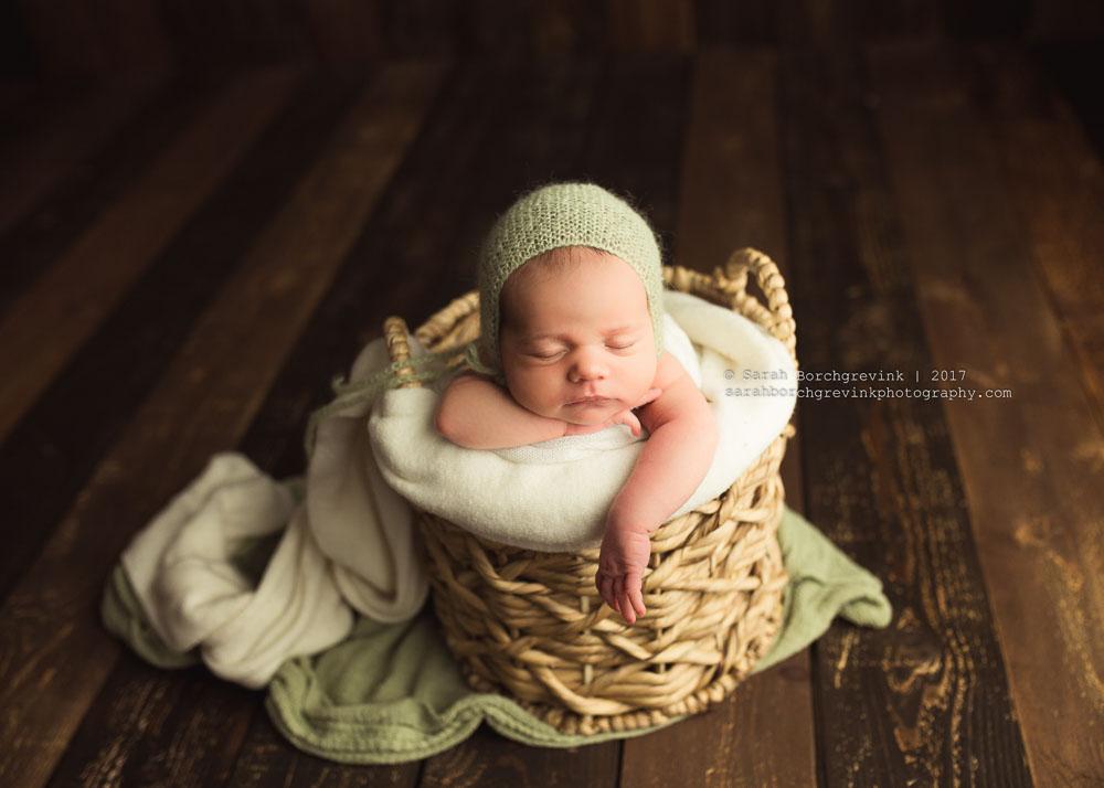 the woodlands tx newborn photographer