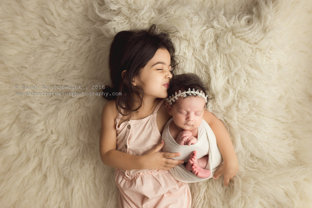 newborn sibling photography ideas