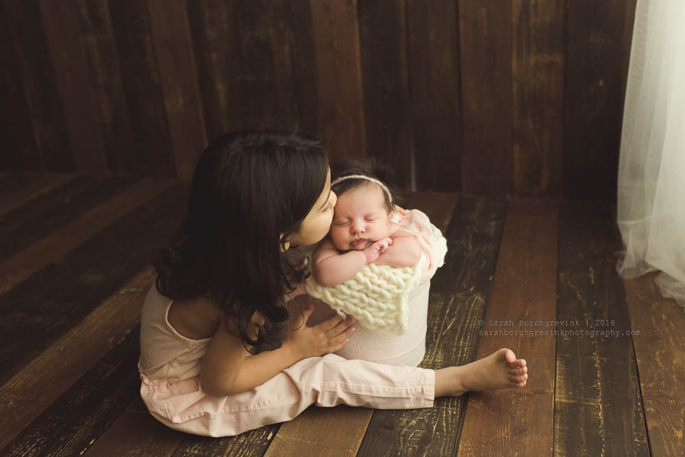 how to get amazing toddler and newborn pictures