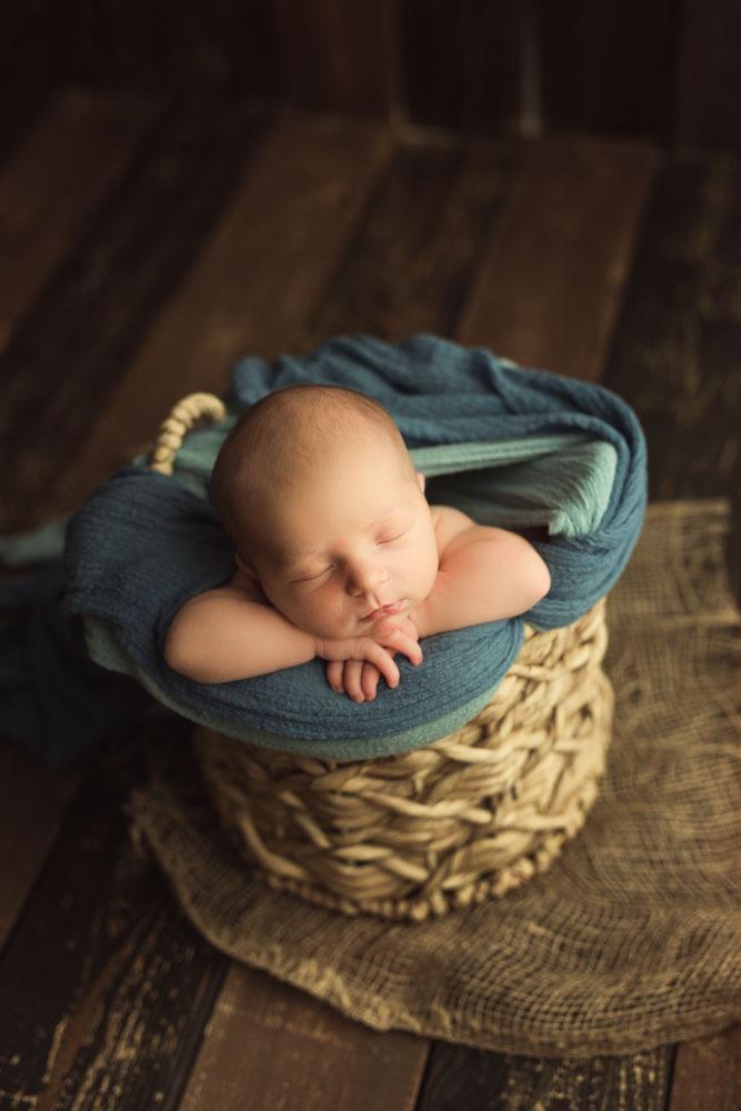 newborn photography 50 mm