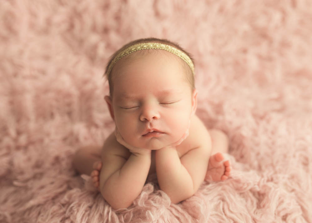 newborn girl photography ideas