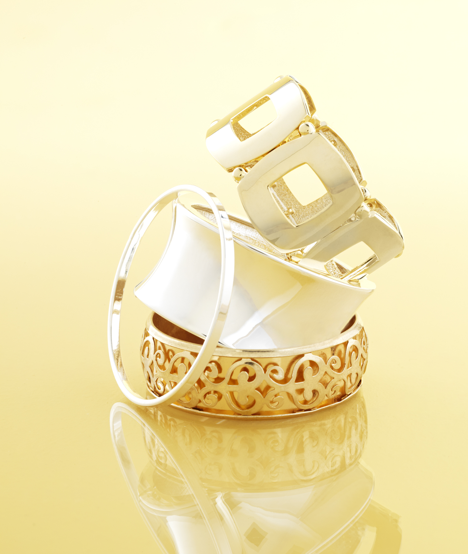 holiday09_gold set jewelry.jpg