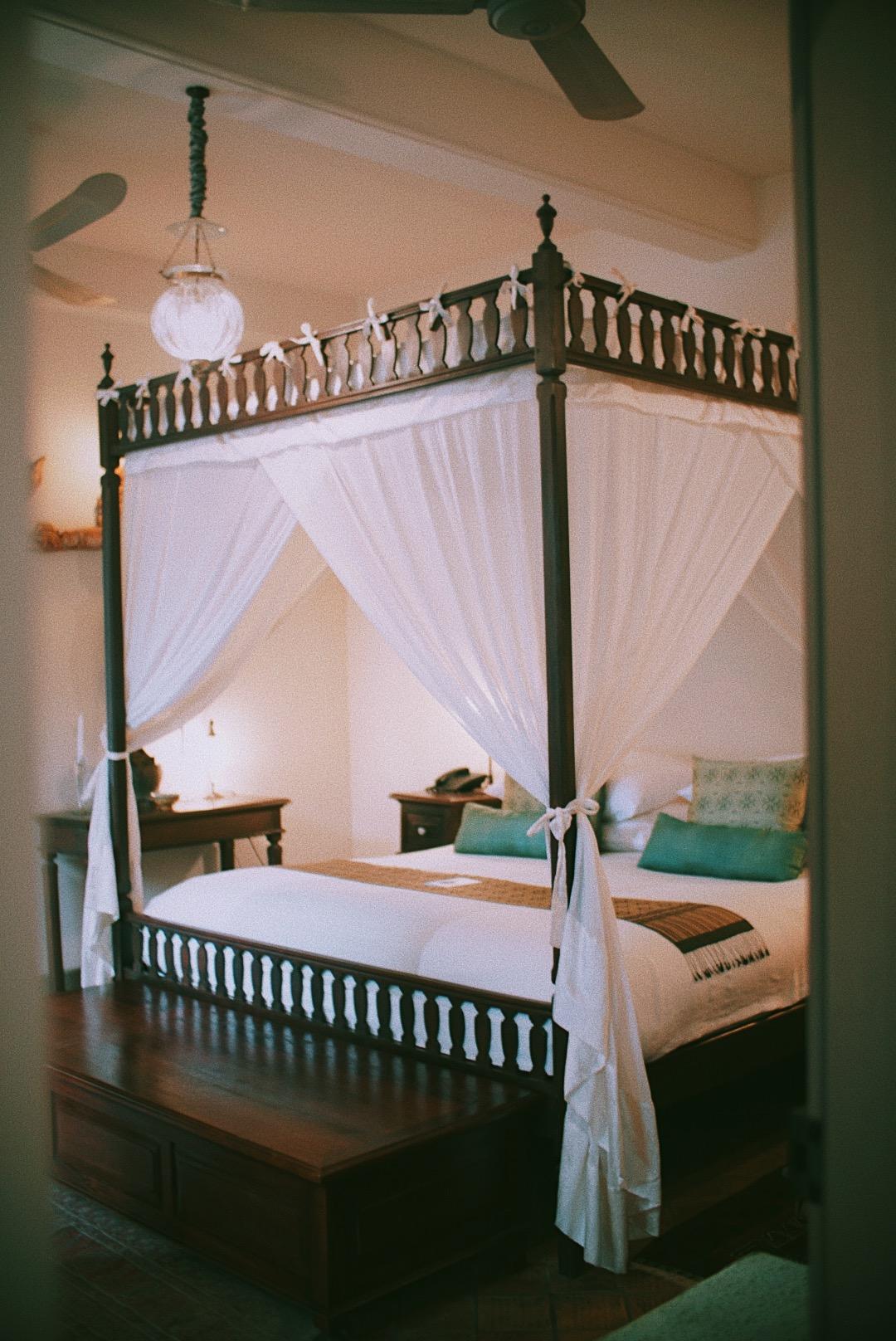 Kamar kami di Satri House hotel, Luang Prabang. Kental dengan suasana etnik Laos, tetapi dengan eksekusi yang lebih modern.