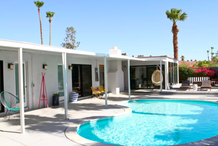 palm-springs-coachella-valley-airbnb