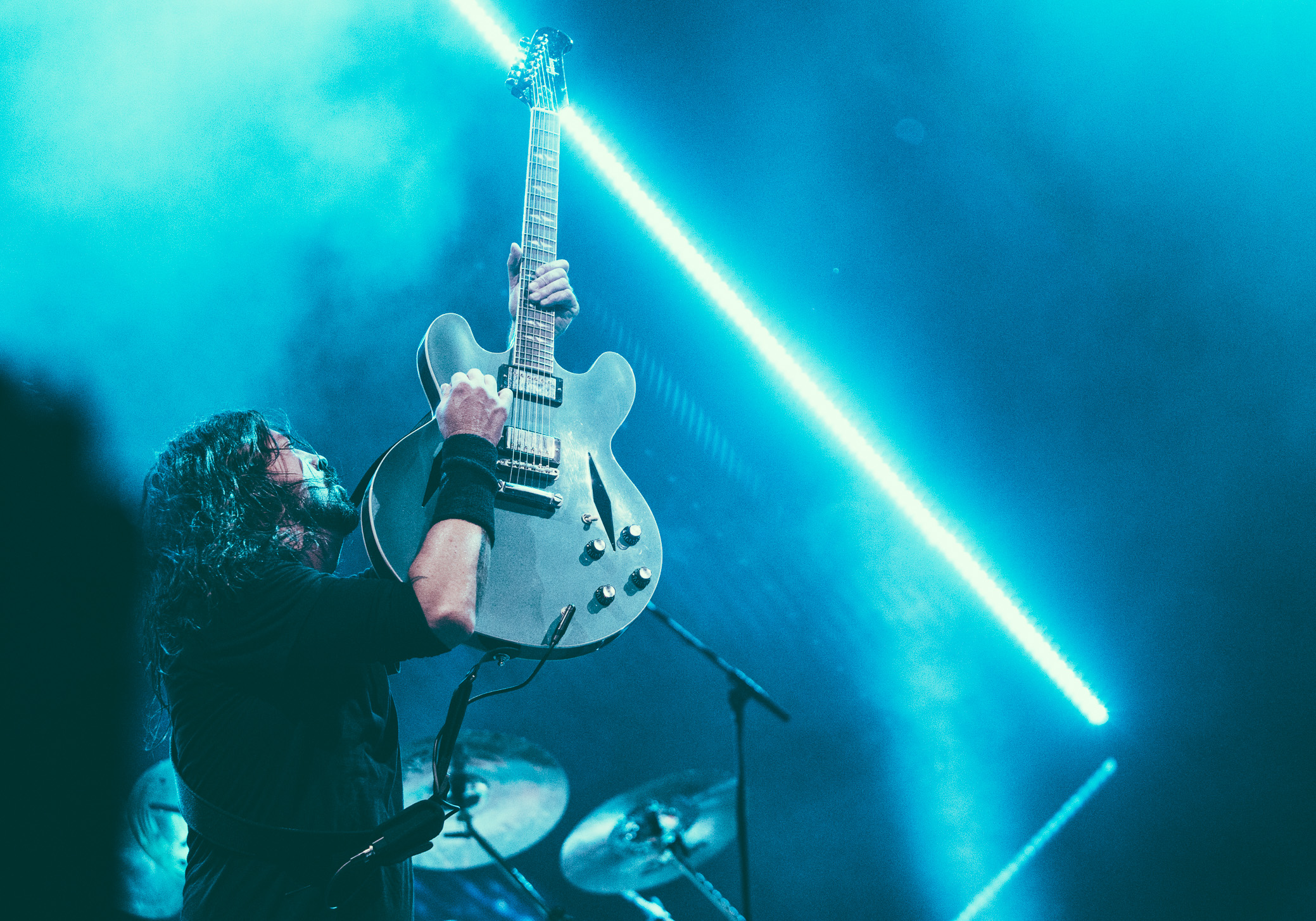 Dave Grohl of Foo Fighters performs in concert at Legacy Arena at the Birmingham-Jefferson Civic Center in Birmingham, Alabama on October 26th, 2017. (Photo by David A. Smith/DSmithScenes)