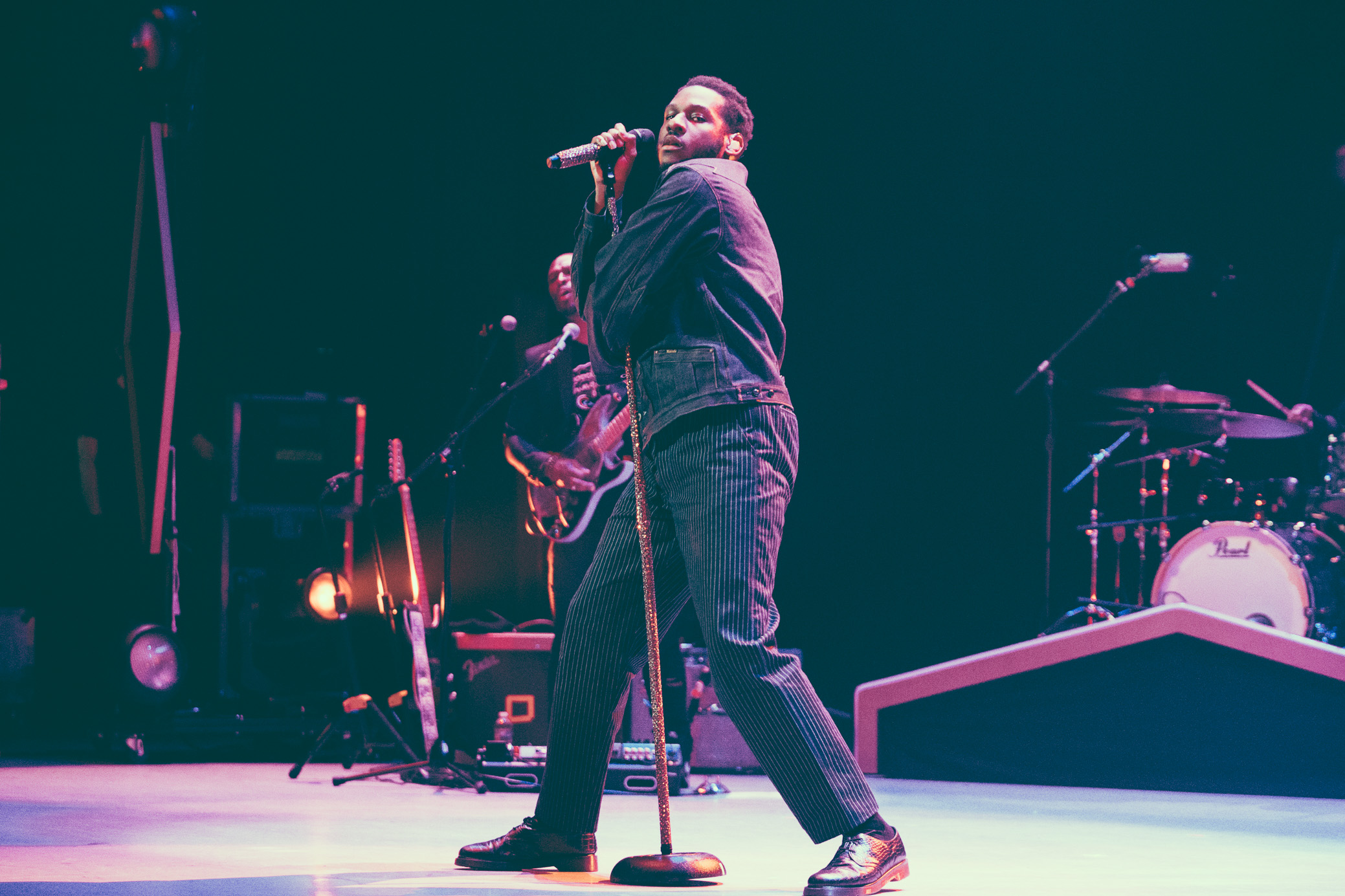 Leon Bridges performs in concert at the Birmingham-Jefferson Civic Center Concert Hall in Birmingham, Alabama on April 23rd, 2019. (Photo by David A. Smith / DSmithScenes)