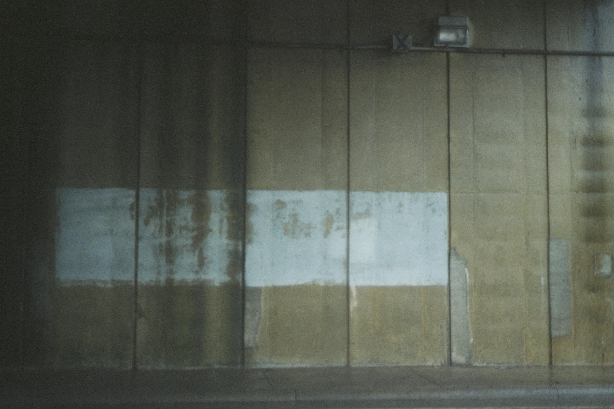 Look at that good wall texture.