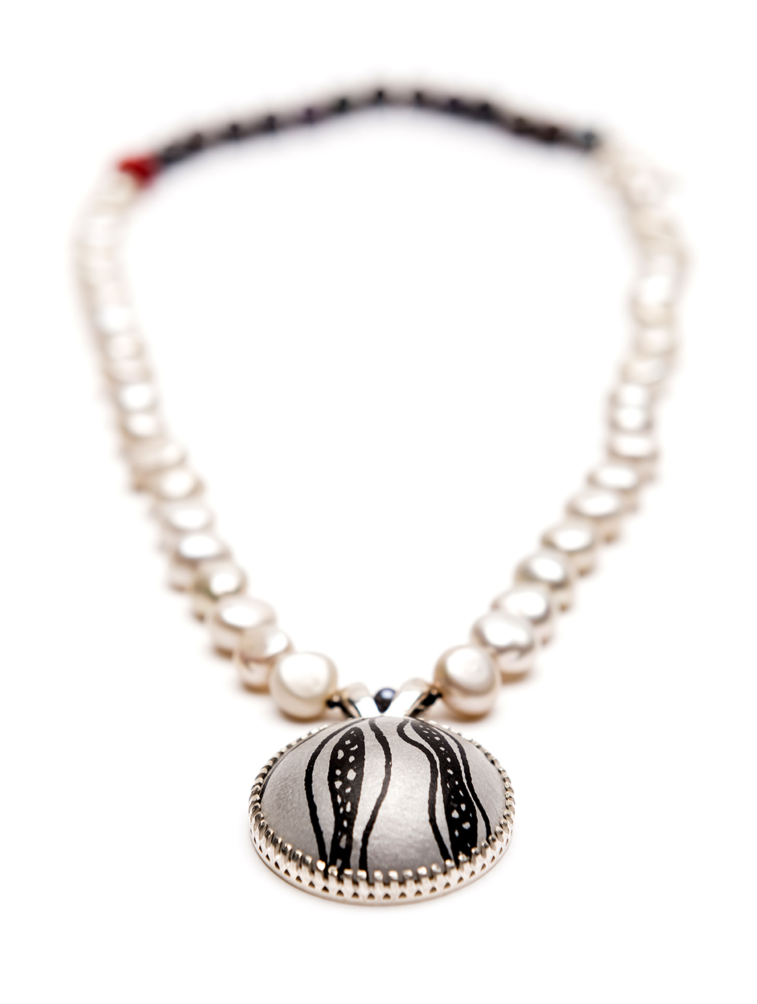 Lorraine-Gibby-jewellery-necklace-aluminium-black-white-pearls-coral-silver.jpg