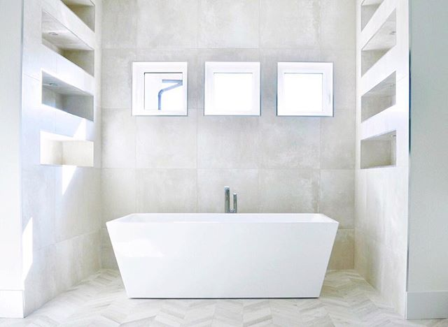 White on white in this master bath. 📷 from our Lillian St. new construction home. . . . . . . #interiordesign #accentrixdesign #customhomes  #coquitlam #interiordetails  #millworkdesign #luxuryinteriors #designdetails #burnabydesigners #newconstructionhomes #vancouverdesigners #yvrdesign  #bathroomdesign  #openplan #luxurybaths #homedesign #fullserviceinteriordesigners  #vancouverinteriors #designideas #interiors  #homedecor #homedesign #decoration #housetour #interiordecor #lovelyinterior #luxuryhomes #realestate #newcontructionvancouver  #decor #homedecor #designideas