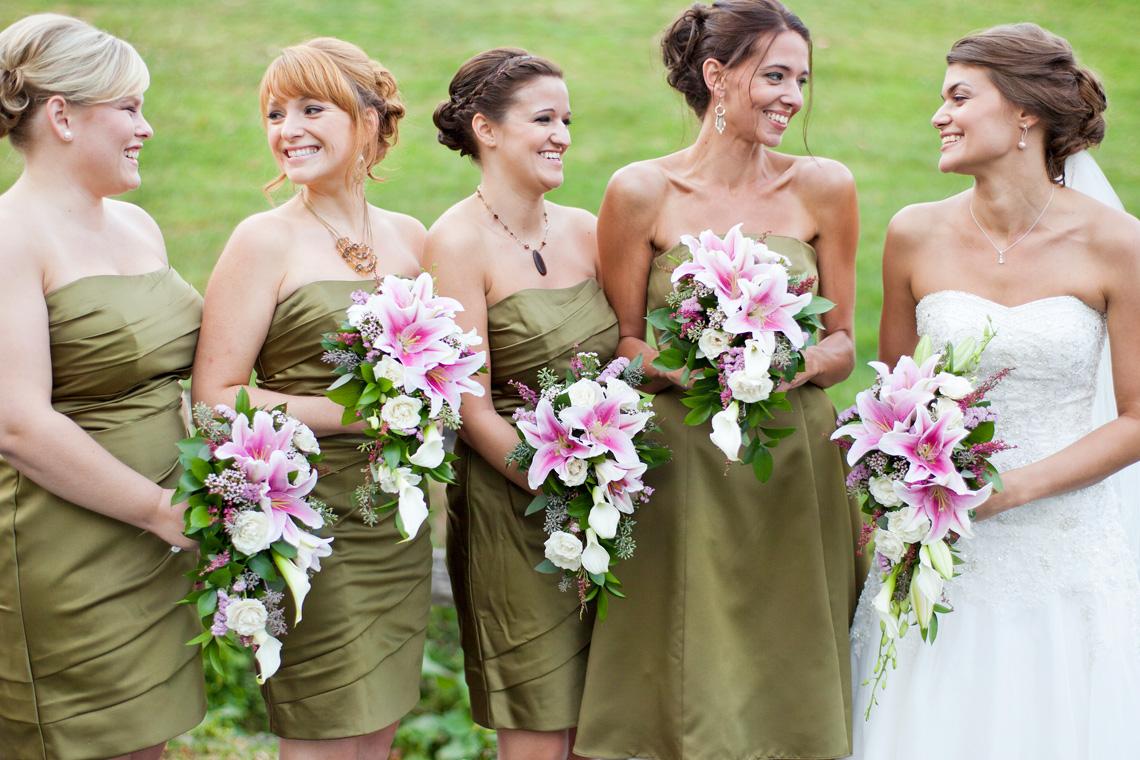 17-Wedding-Photography-York-PA-Ken-Bruggeman-Photography-Bride-Brides-Maids-Smiling-Laughing.jpg