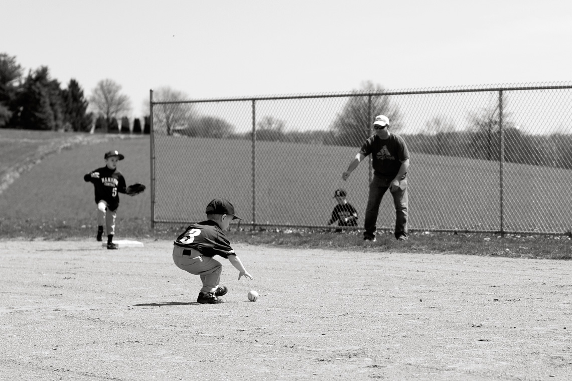 Ken-Bruggeman-Photography-York-PA-Young-Boy-Catching-Baseball