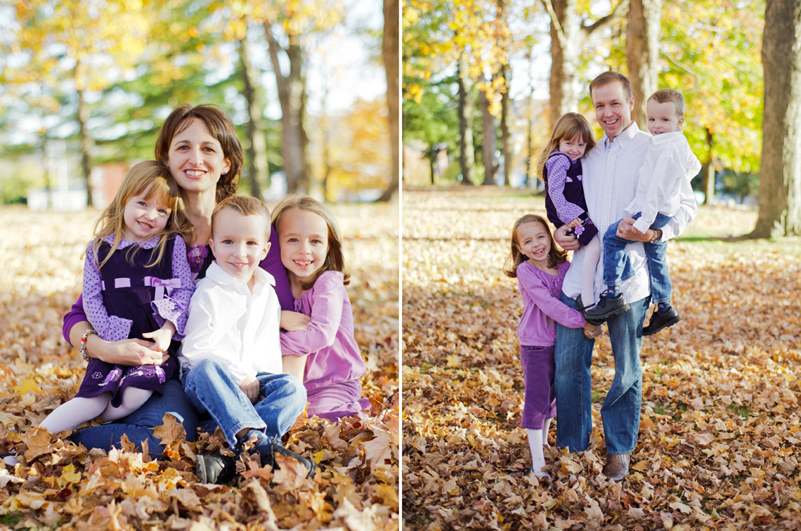 4-Autumn-Family-Portrait-Children-Mother-Sitting-Smiling-Ken-Bruggeman-Photography-York-PA.jpg