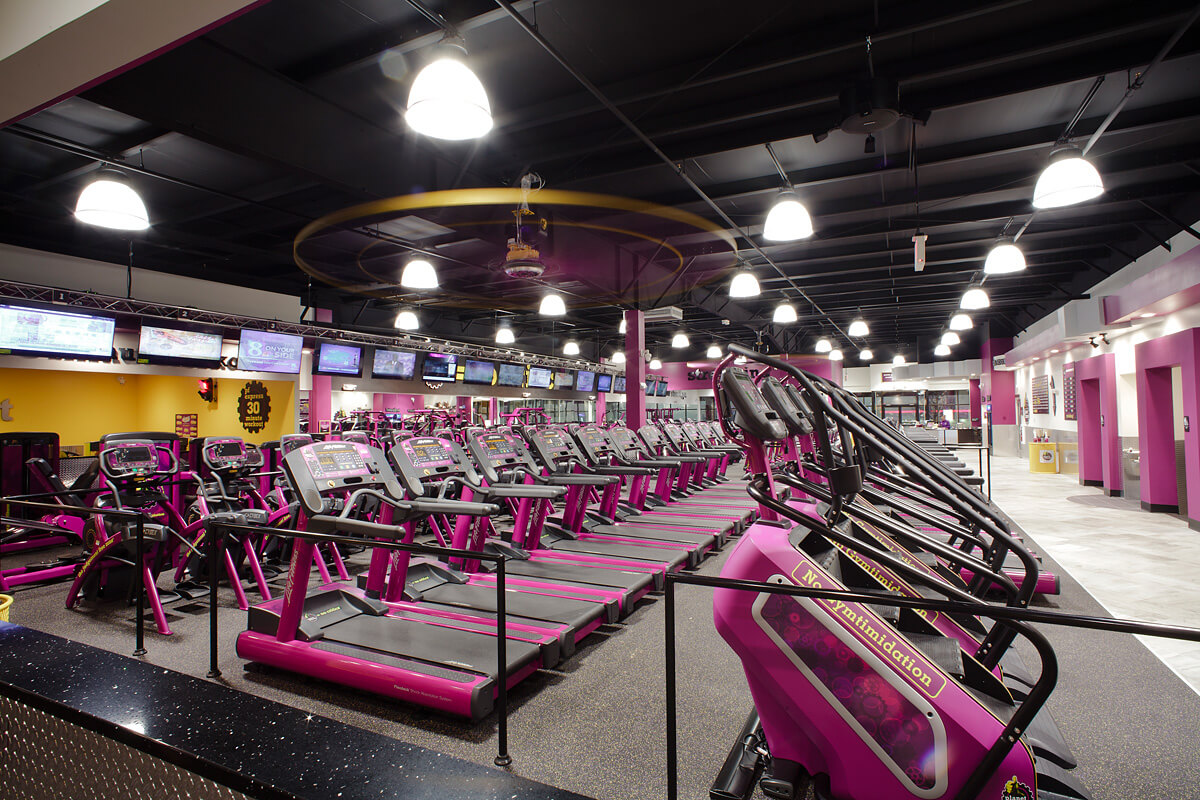 15-Planet-Fitness-Commercial-Photography-York-PA-Ken-Bruggeman-Overview-Cardio-Area-TVs.jpg