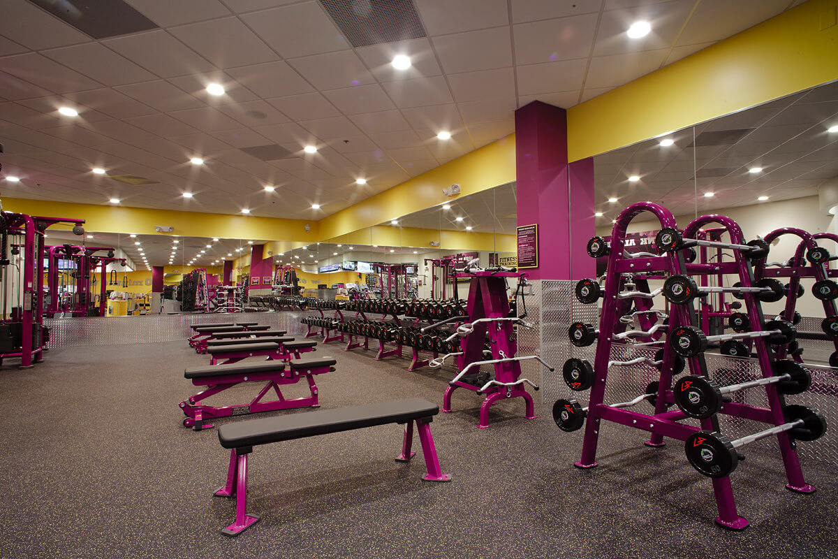 13-Planet-Fitness-Commercial-Photography-York-PA-Ken-Bruggeman-Free-Weight-Room-Benches.jpg