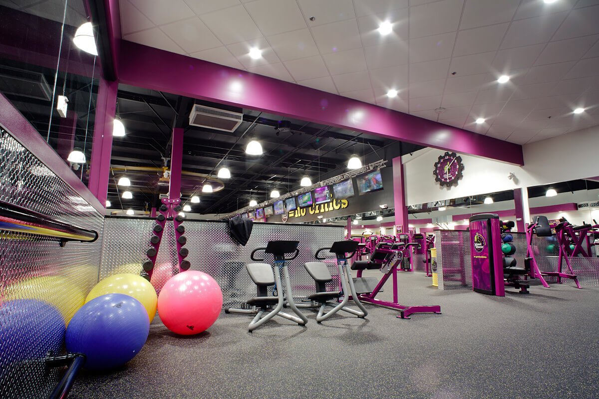 19-Planet-Fitness-Commercial-Photography-York-PA-Ken-Bruggeman-Stretching-Area-Exercise-Balls.jpg