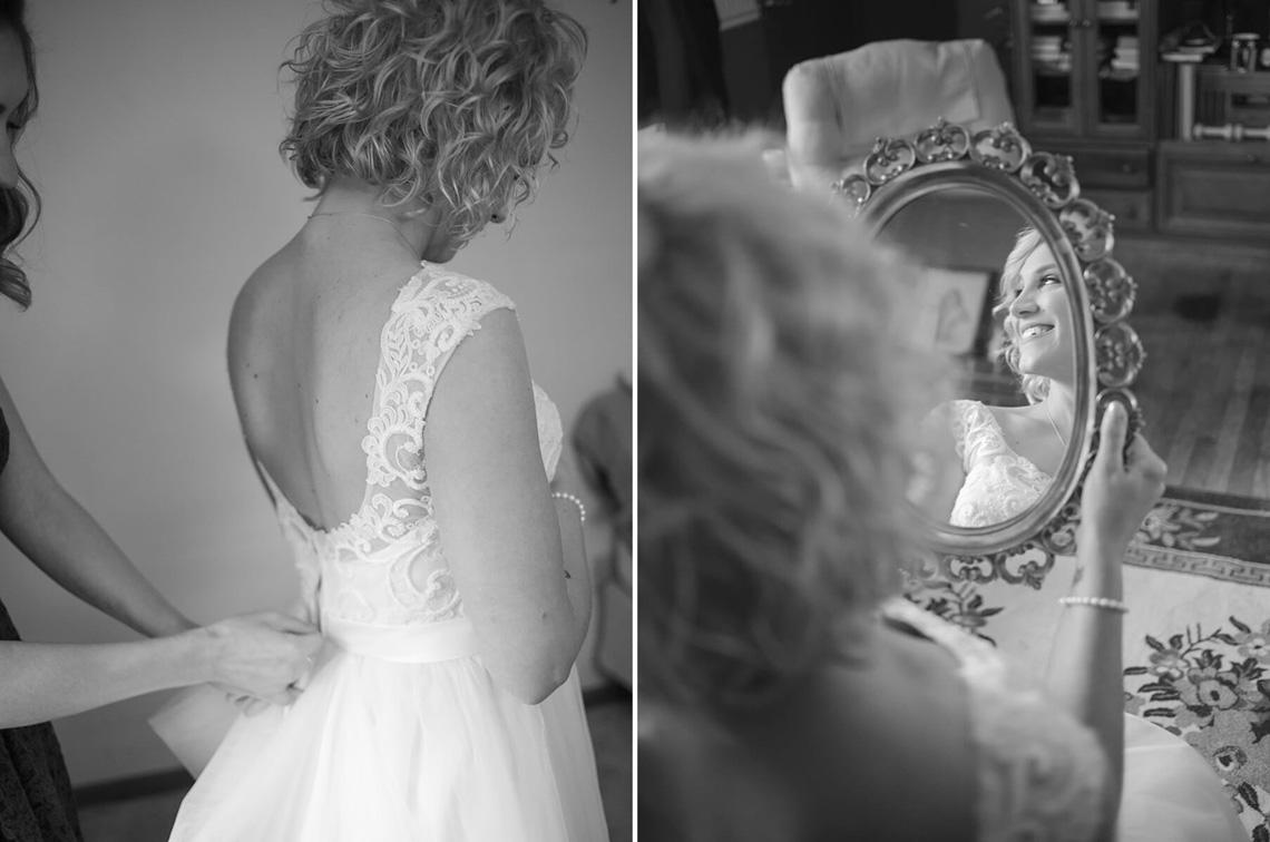 6-Wedding-Ken_Bruggeman-Photography-York-PA-Bride-Mirror-Reflection-Smiling-Dress.jpg