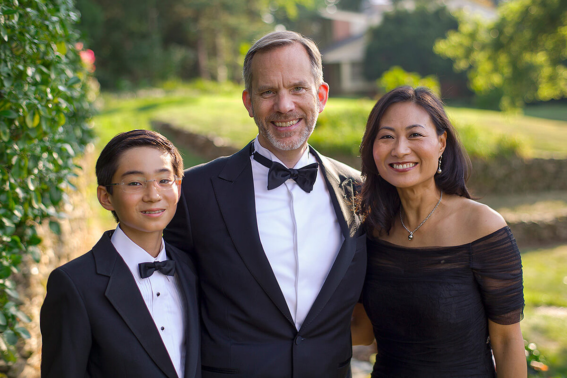 6-Formal-Family-Photography-Ken Bruggeman-York-PA-Colorful-Smiling-Portrait.jpg