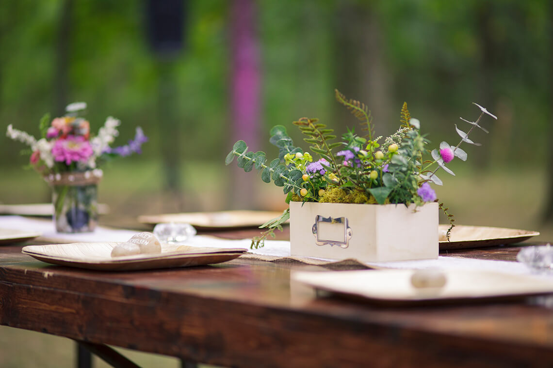 3-Wedding-Photographer-York-PA-Ken-Bruggeman-Crafted-Flower-Box-Table.jpg