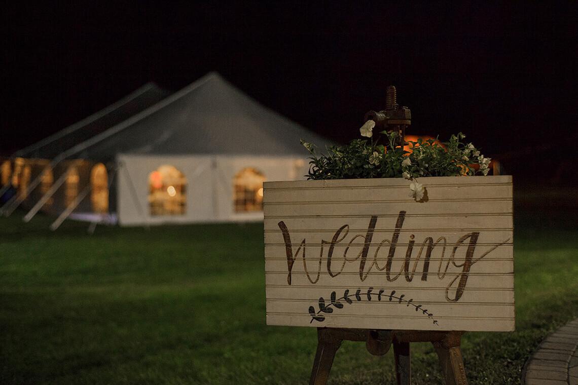 23-Wedding-Photographer-York-PA-Ken Bruggeman-Photography-Painted-Wedding-Sign.jpg