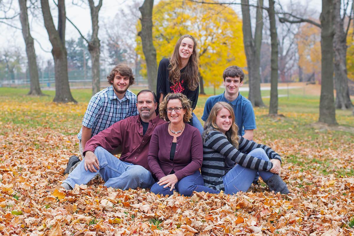 6-Photographer-York-PA-Ken-Bruggeman-Family-Portraits-Sitting-Leaves-Autumn.jpg