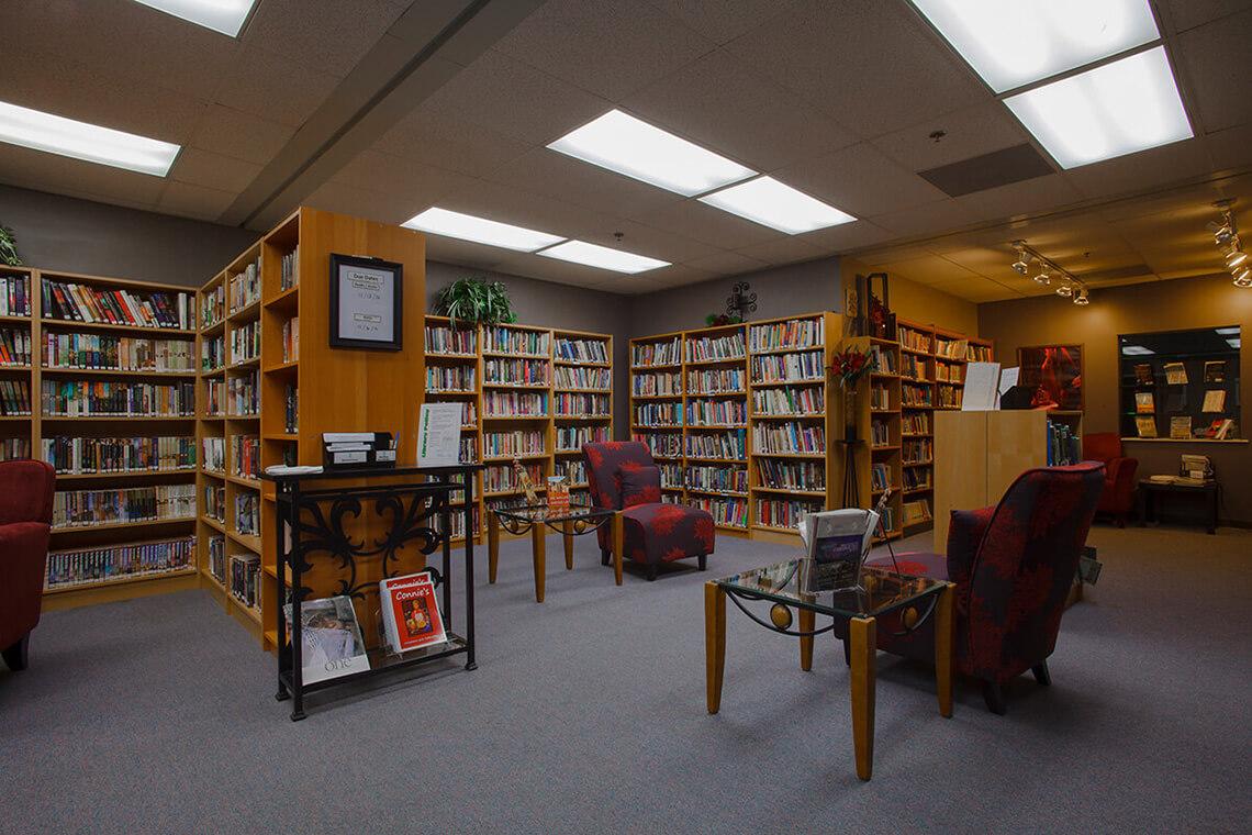 20-Commercial-Architectural-Photographer-York-PA-Ken-Bruggeman-Photography-Grace-Fellowship-New-Salem-Campus-Library-Books-Shelves.jpg