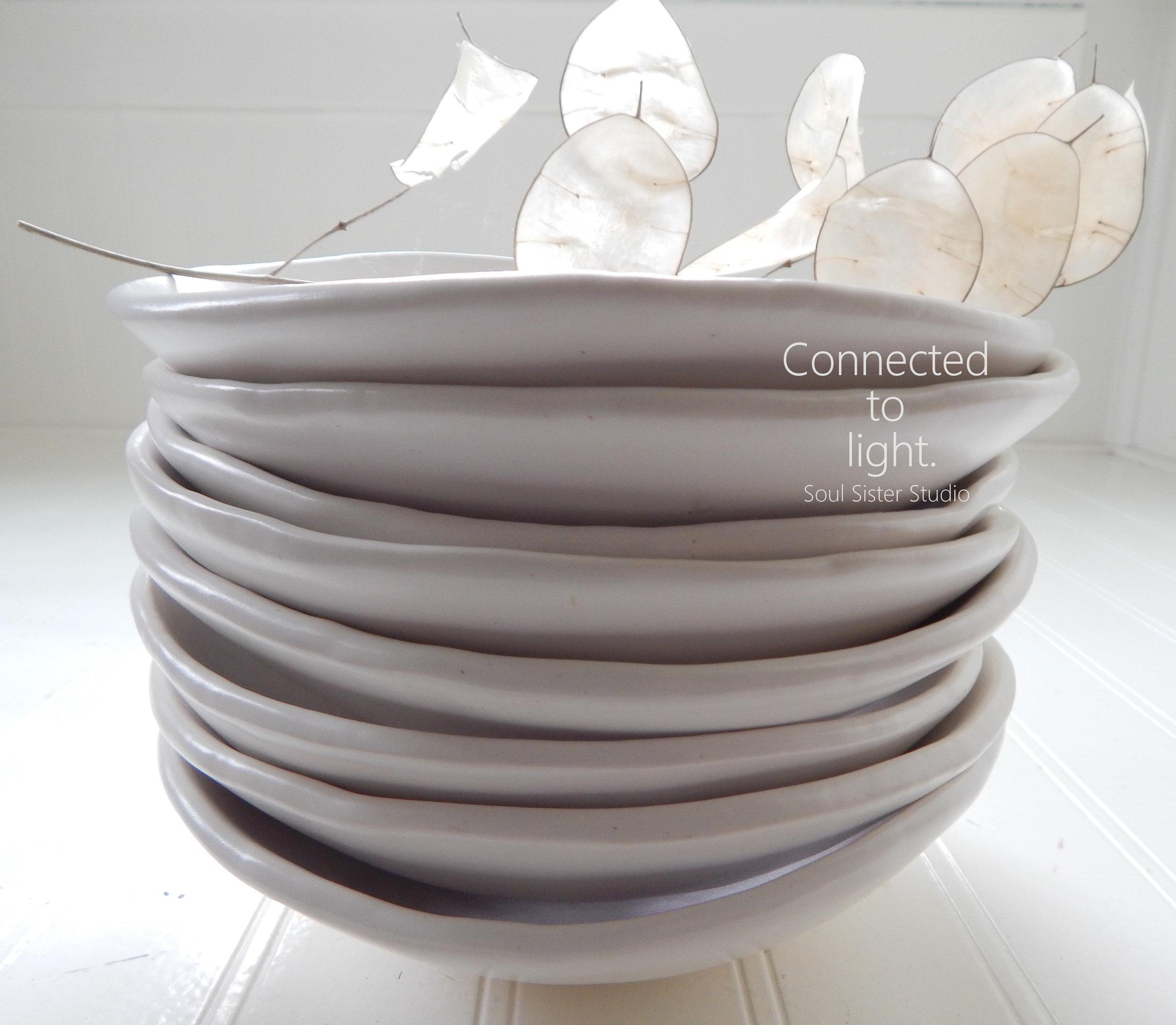 PotteryWhiteBowlConnected2.jpg