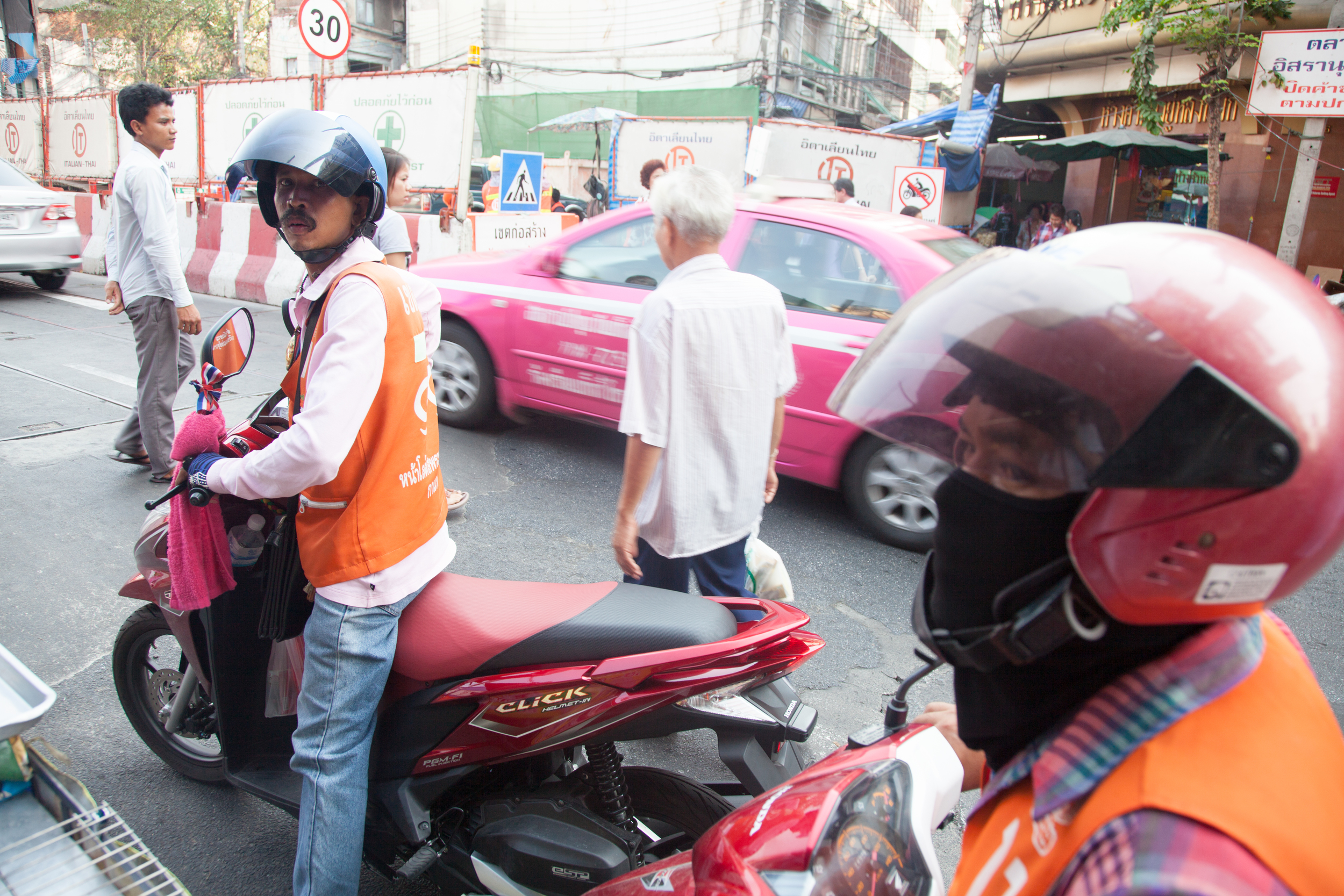 Manic Bike Taxis on the lawless streets of Bangkok....Wat could possibly go wrong?