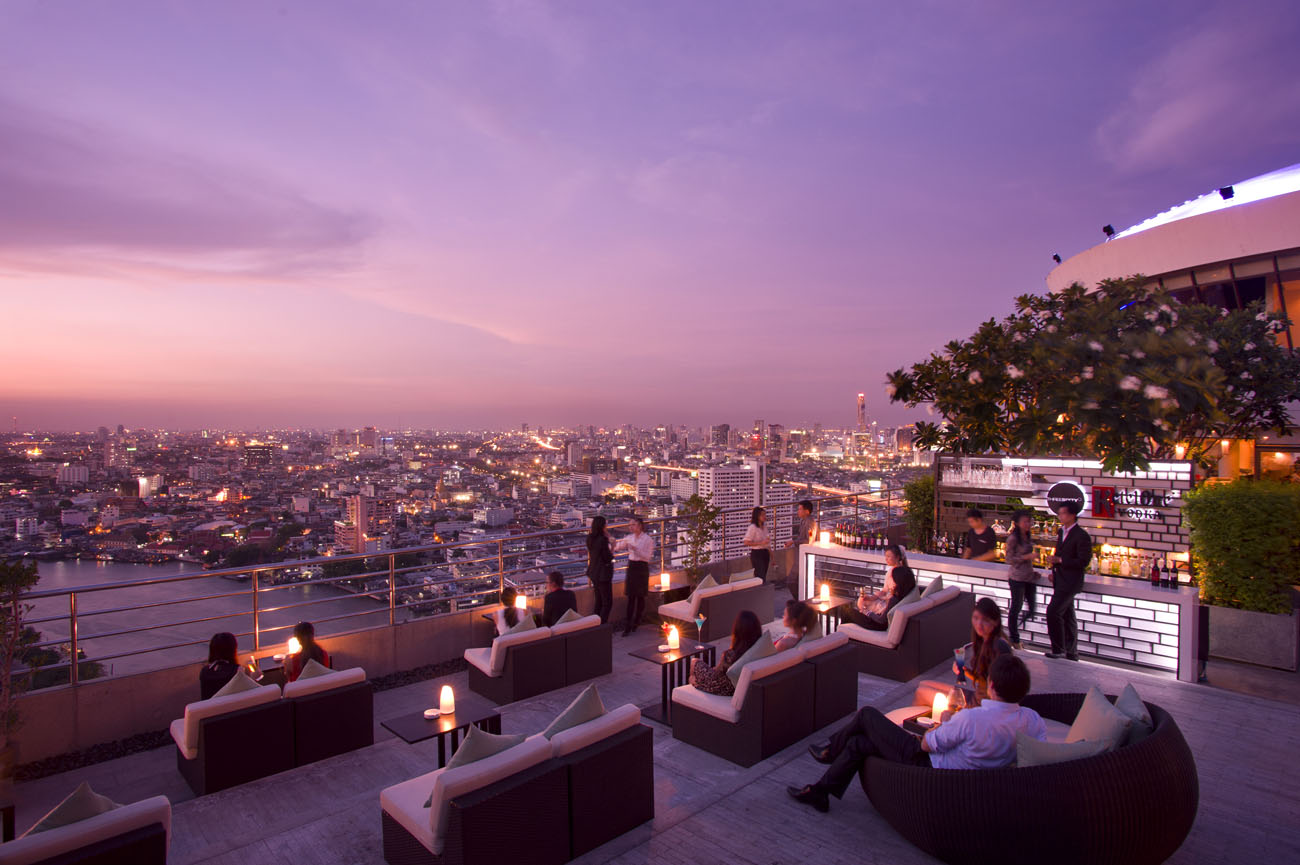 Incredible Rooftop Bar at the Millennium Hilton, Bangkok. PhotoCredit: Millennium Hilton