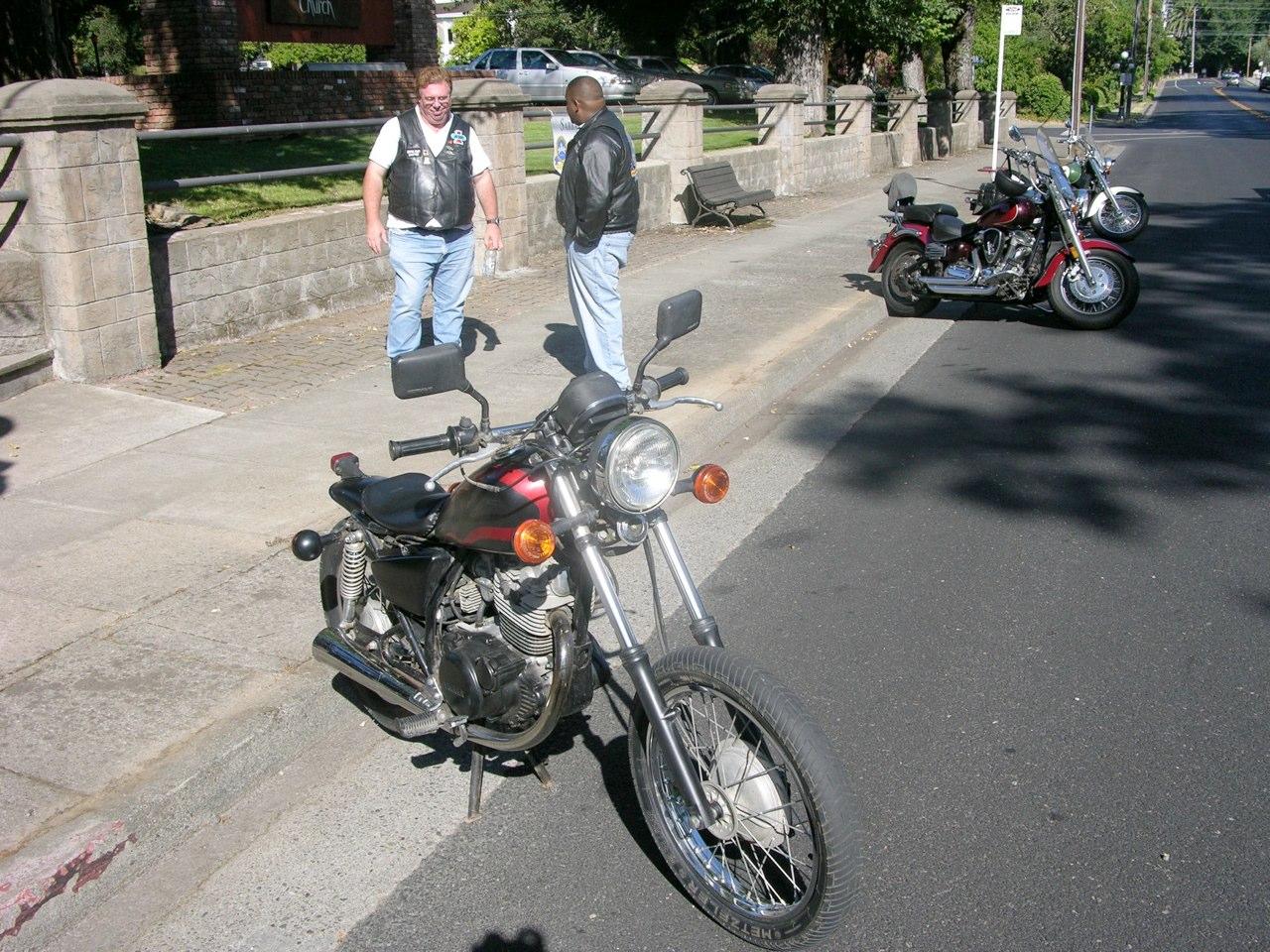 Bikers arriving.jpg