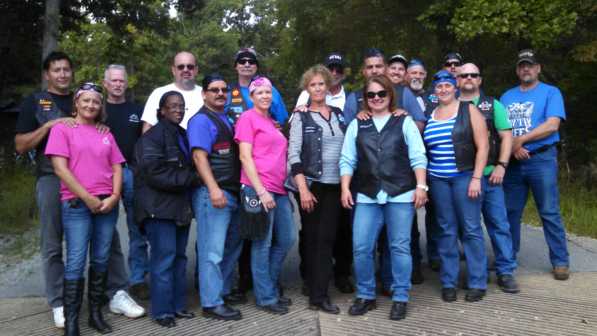 Members of Oklahoma, Topeka, Wichita and Ottawa Chapters pose for a picture.