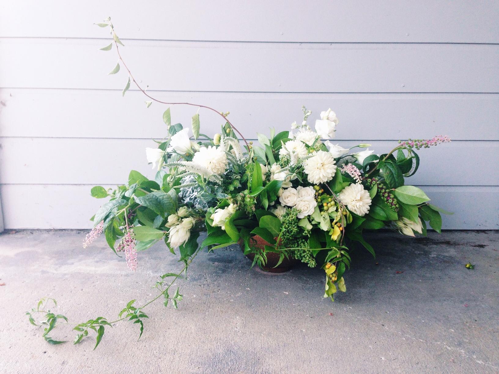 greenandwhiteweddingflowers.jpg