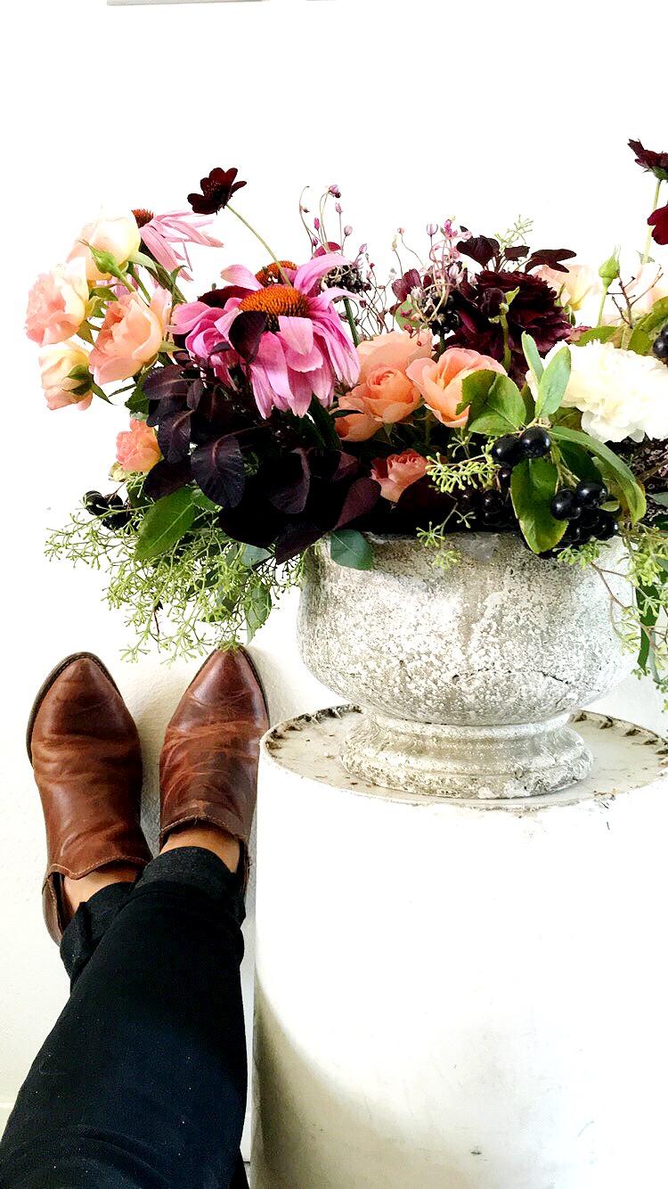 edgyweddingflowers.jpg