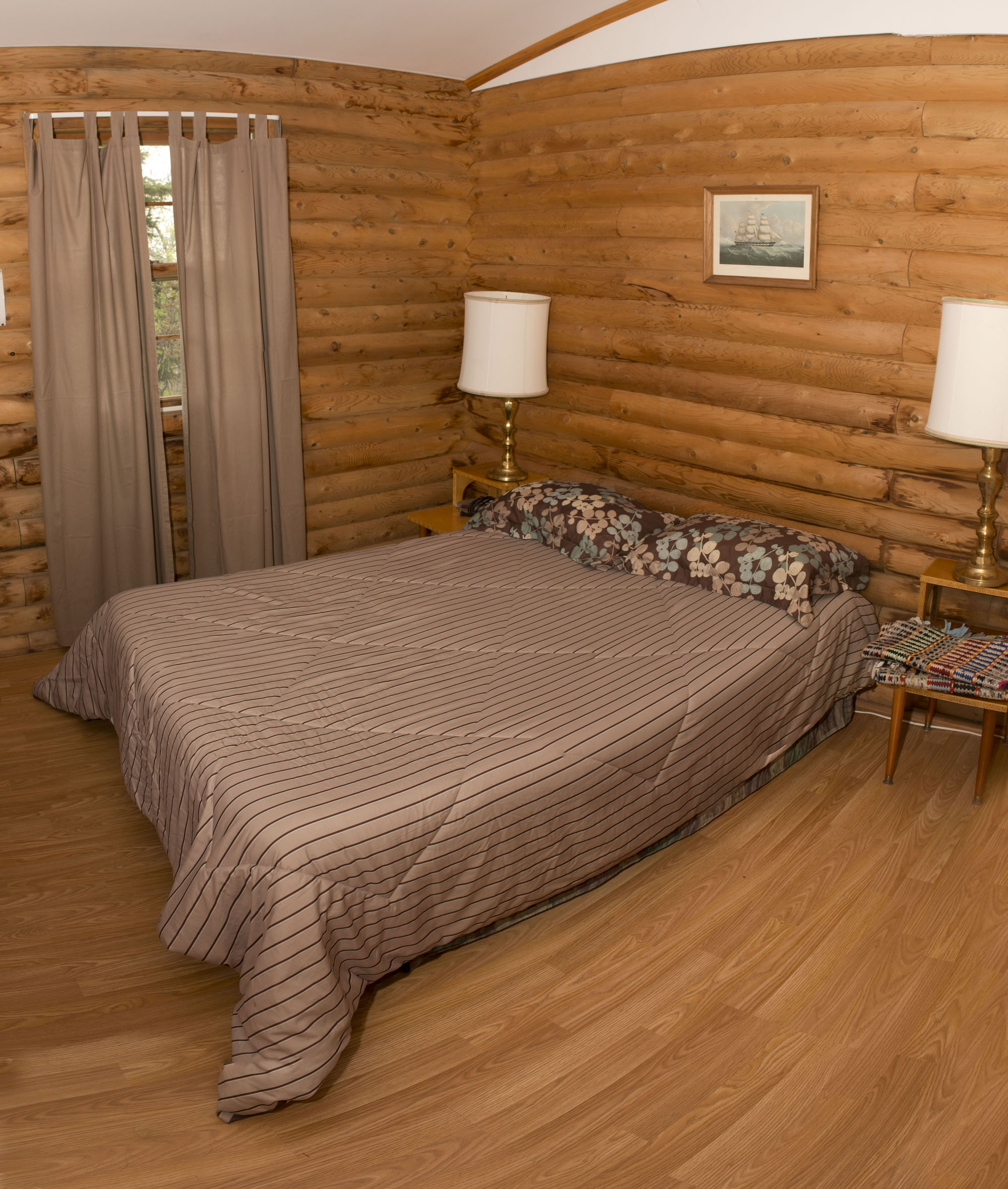Cabin #9 - 2nd Bedroom Panorama (Cabin #8 shares identical layout & amenities)