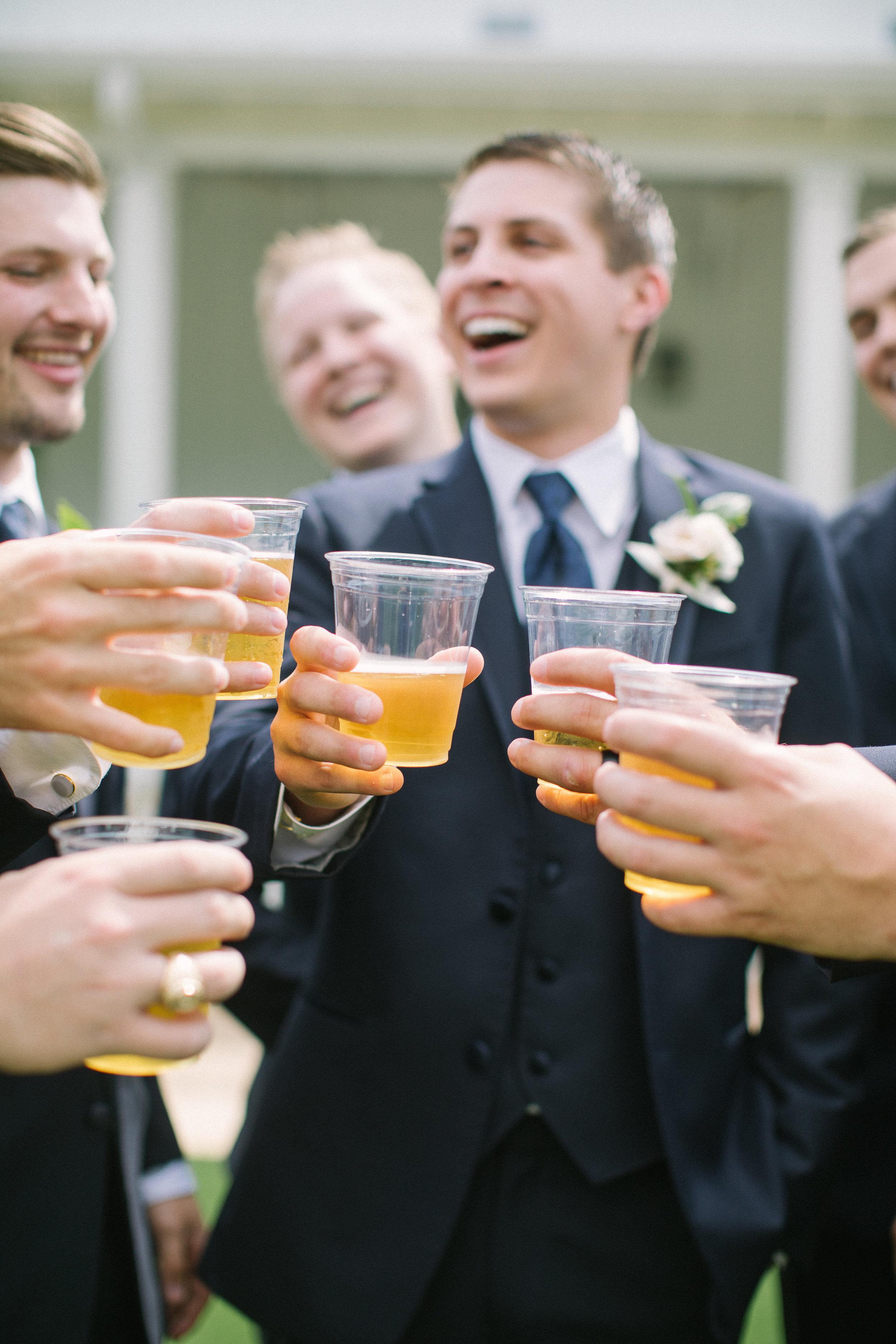 The-Farmhouse-Weddings-Montgomory-Texas-Farmhouse-Weddings-Houston-Weddings-Dallas-Wedding-Photographers-White-Sparrow-Weddings-Ellen-Ashton-Photography-Best-Weddings-Wed-and-Prosper-Weddings-destination-weddings-white-barn-weddings-california-wedding-photographer