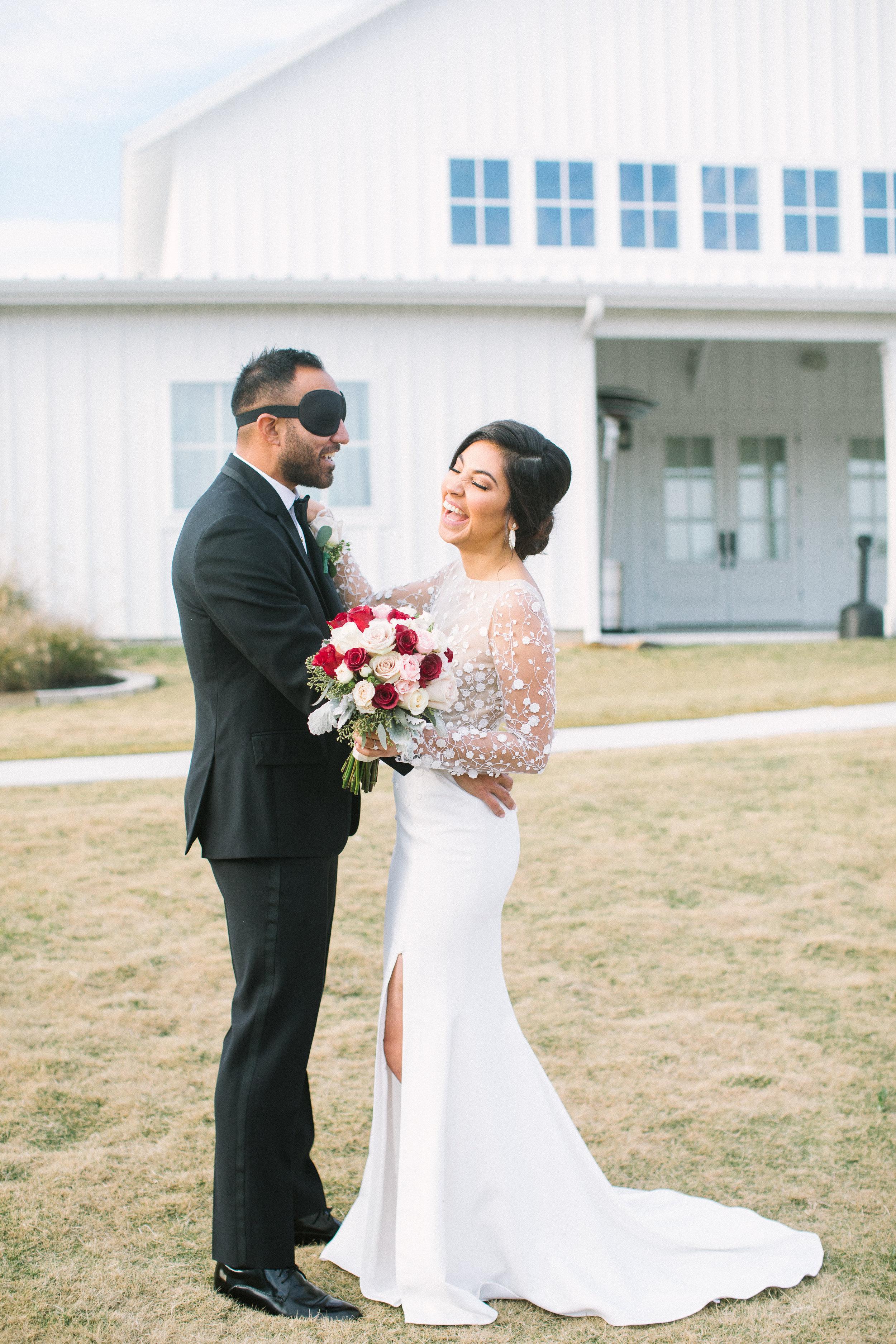 Ellen-Ashton-Photography-Dallas-Wedding-Photographers-Wed-and-Prosper-weddings-and-Events-The-Farmhouse-Events-Montgomery-Texas-Arturo-Alvarez-Houston-Dynamo-Style-Me-Pretty-Brides-of-North-Texas-Brides-of-Houston-White-Sparrow-Barn-Weddings-The-Nest-at-Ruths-Farms-Weddings