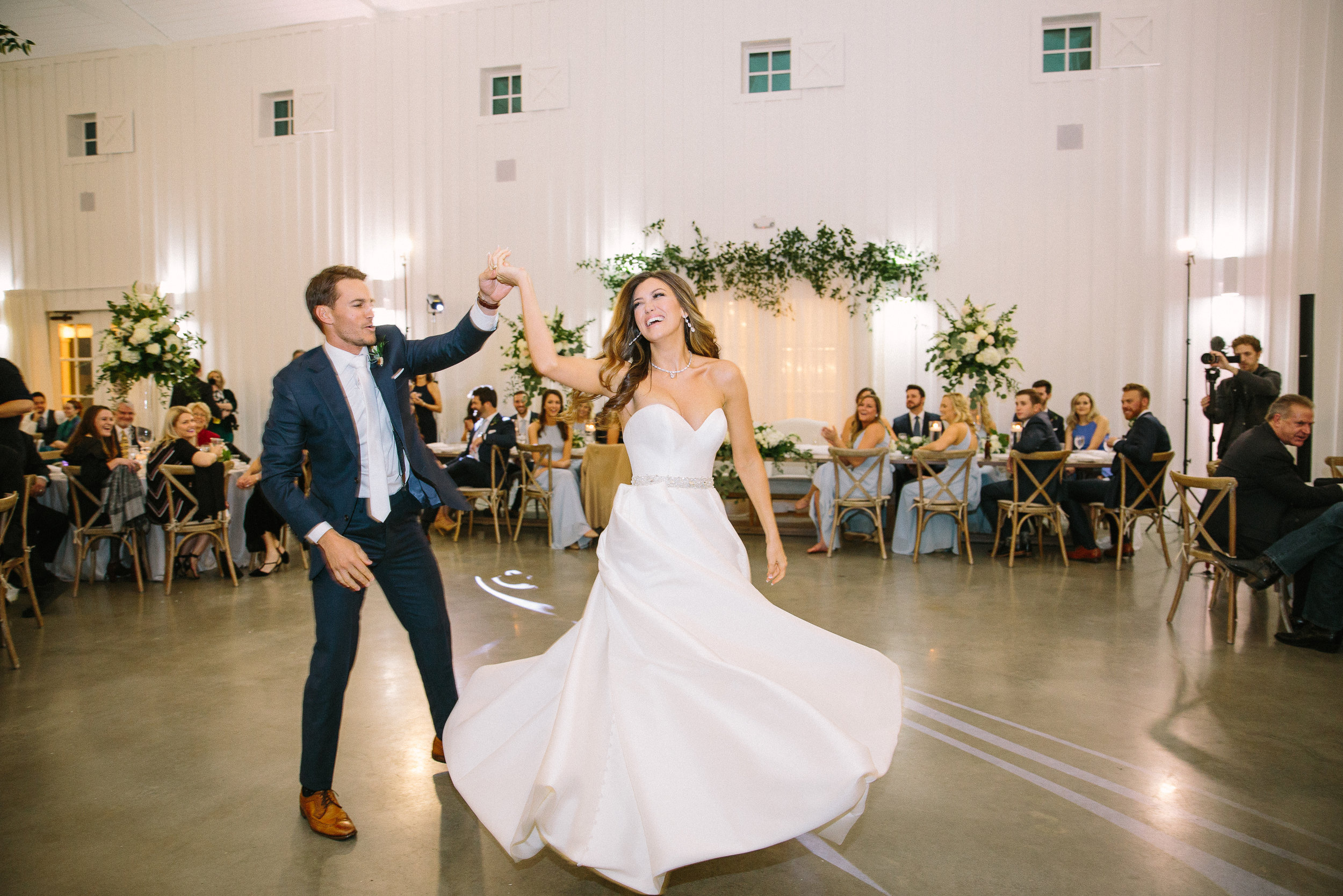 Ellen-Ashton-Photograph-Dallas-Wedding-Photographers--The-Farmhouse-Weddings-Wed-and-Prosper-Weddings1807.jpg